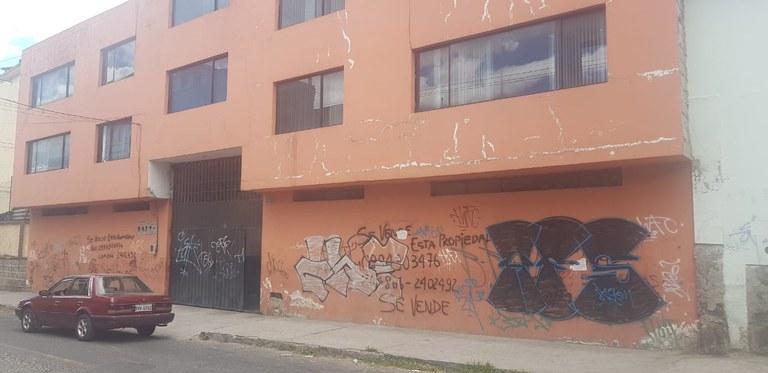 Fábrica amplia en venta en la Magdalena, departamentos y oficinas