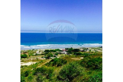 Oceanfront and Mountain Home Construction Site For Sale in Las Nunez
