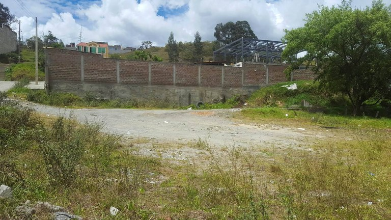 Home Construction Site For Sale in Loja