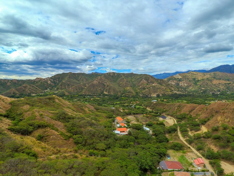 Gorgeous Lot With Views in Cucanama (Vilcabamba)