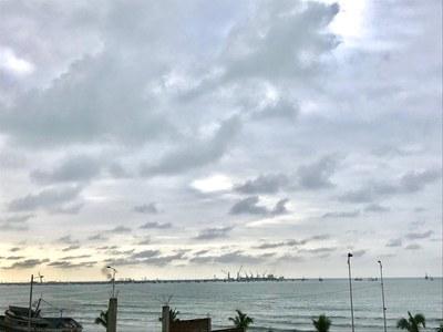 Vía al aeropuerto de Manta: Oceanfront Home Construction Site For Sale in Manta