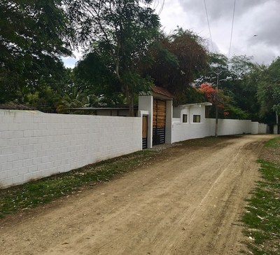 2 Coming up to the Finca entrance.jpg