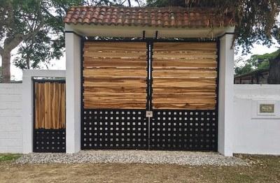 3 Front Entrance to Finca.jpg