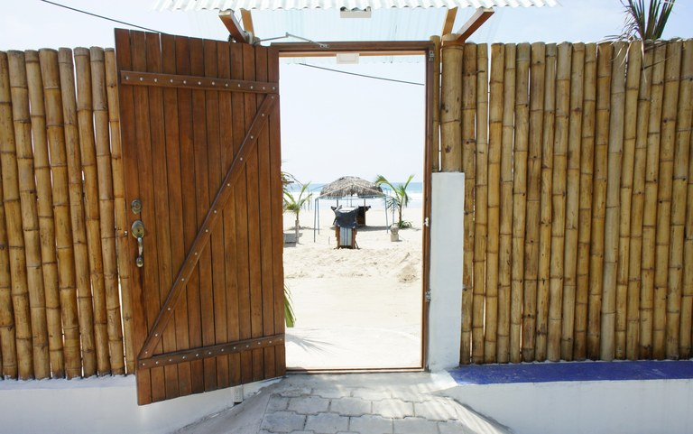 Casita Rental in Olon Malecon: Just a few steps away from beach.
