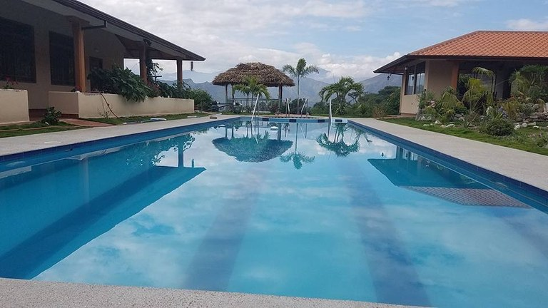 Gorgeous Furnished House in Malacatos