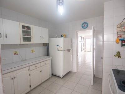 Kitchen-1 (Large).jpg