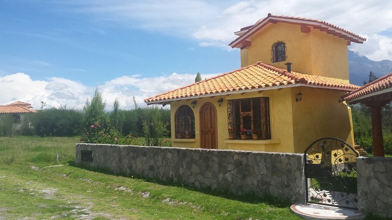Adorable Casita Just Outside of Cotacachi: Countryside House For Rent in Cotacachi