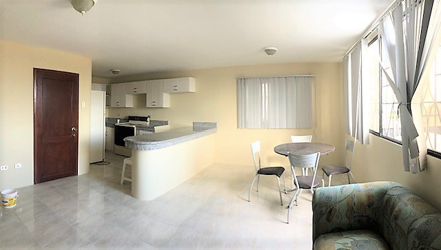 BIG SUITE IN DOWNTOWN SALINAS 1 BLOCK FROM THE BEACH