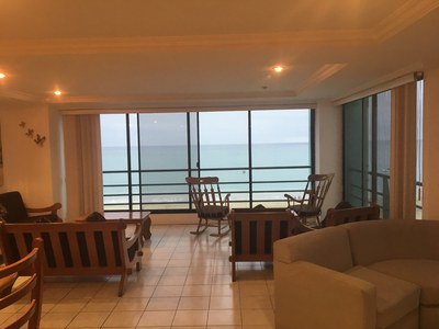 Oceanfront Apartment For Rent in Chipipe - Salinas