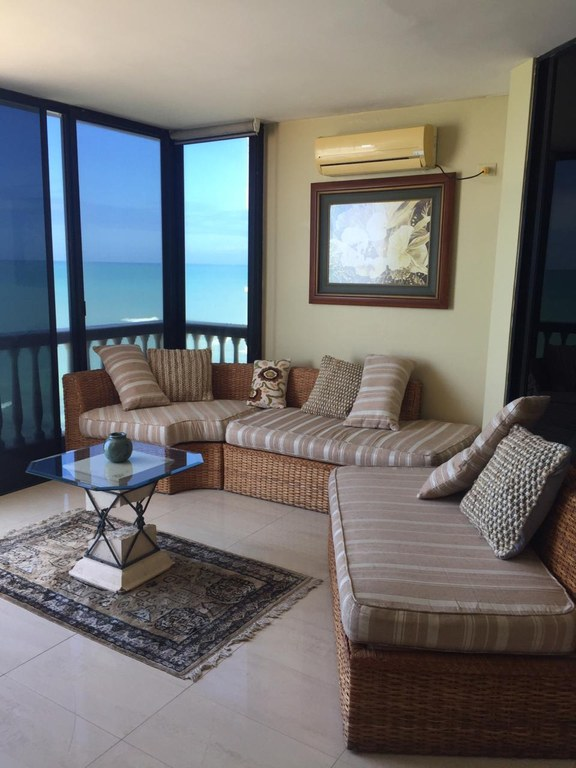 Oceanfront Apartment For Rent in Salinas