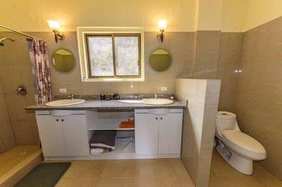 Beach-House-Peter-Bathroom-Suite-1200.jpg