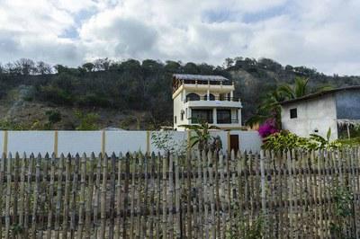 Beach-House-Peter-From-Av-Quito-1200.jpg