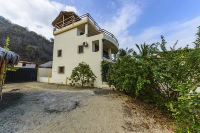 Beach-House-Peter-Left-Side-1200.jpg