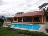 Countryside Villa For Sale in Yunguilla