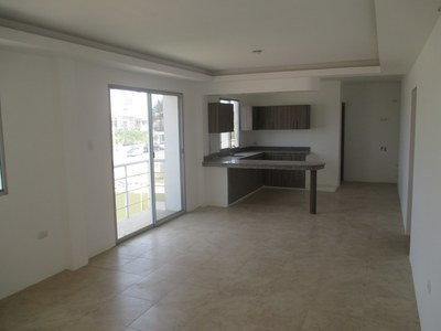 Edificio Dorsco Apartment 2A: 2nd Floor New Condo With Balcony
