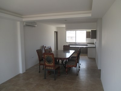 Edificio Dorsco Apartment 2B: 2nd Floor New Apartment with a Pool!