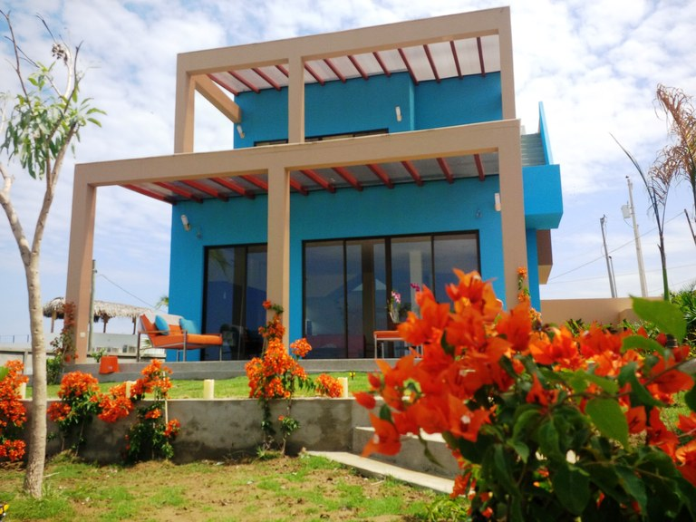 Ocean blue hill upscale homes dream home located in for Dream home location