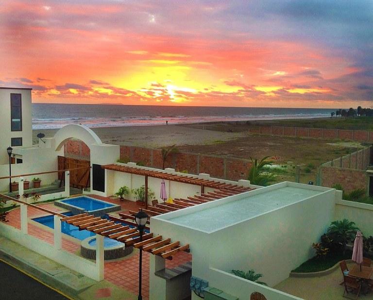 Villa 03 delfin villas fully furnished gated for Puerto cayo ecuador real estate