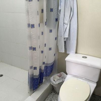 30 Master bathroom.jpg