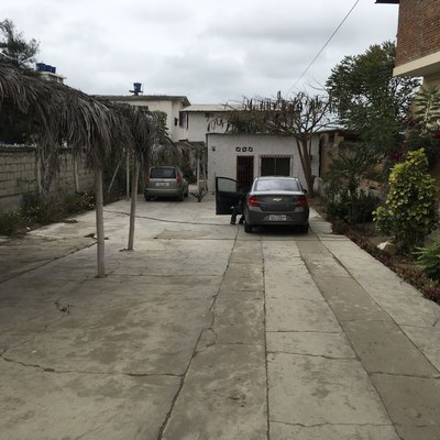44 Driveway to guest house.jpg