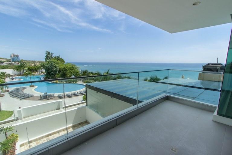 Poseidon Luxury: Oceanfront Condominium For Sale in El Murcielago - Manta