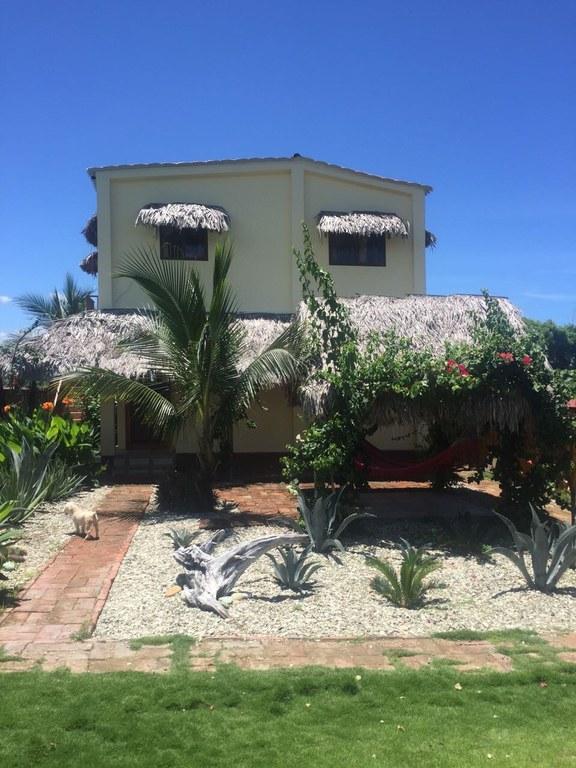 Ocean view with huge rental income puerto cayo real for Puerto cayo ecuador real estate