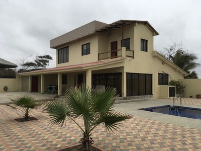 Oceanfront House For Sale in Punta Carnero