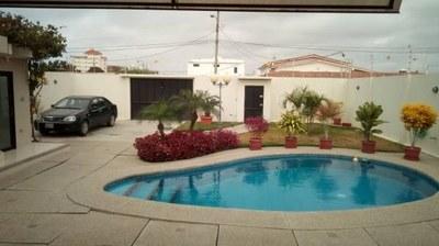 Near the Coast House For Sale in Costa de Oro - Salinas
