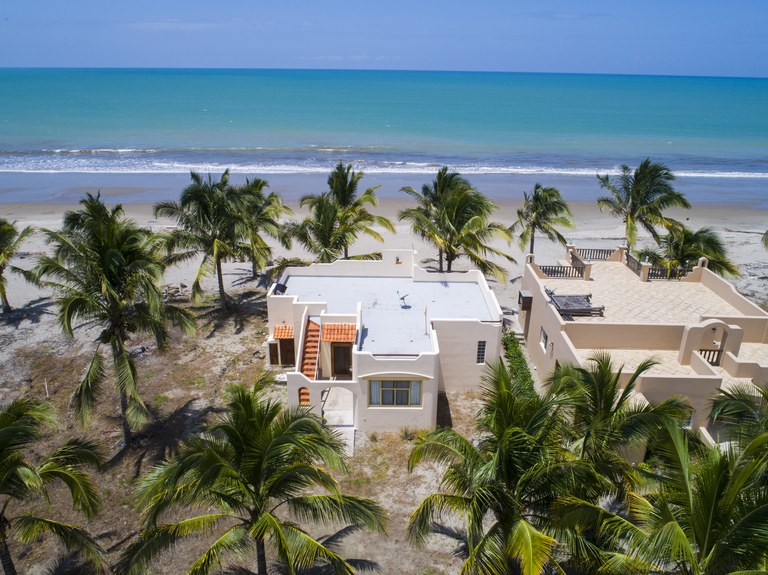 Oceanfront House For Sale in El Matal