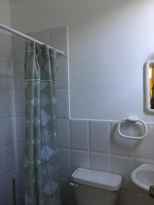 third full bathroom.jpg