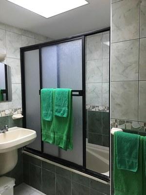 Full bathroom with tub.jpg