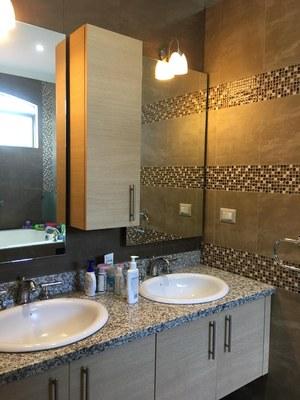 his-hers sinks in master bathroom.jpg