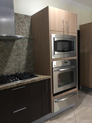 5 burner stove, hood, microwave, oven, warming drawer.jpg