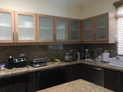 plenty of upper & lower cabinets.jpg