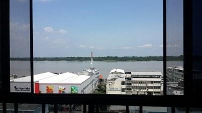 Vista Al Río Guayas