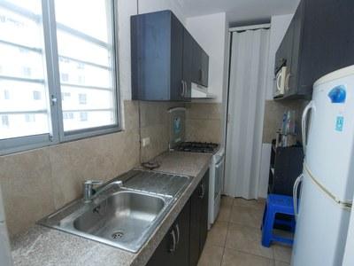 2.Kitchen.jpg