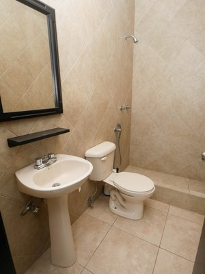 4.Bathroom1.jpg