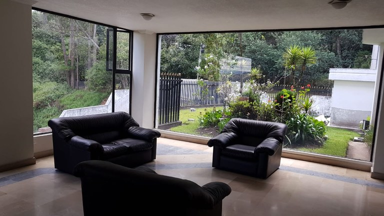 Colinas de Pichincha: Apartment For Sale in Quito