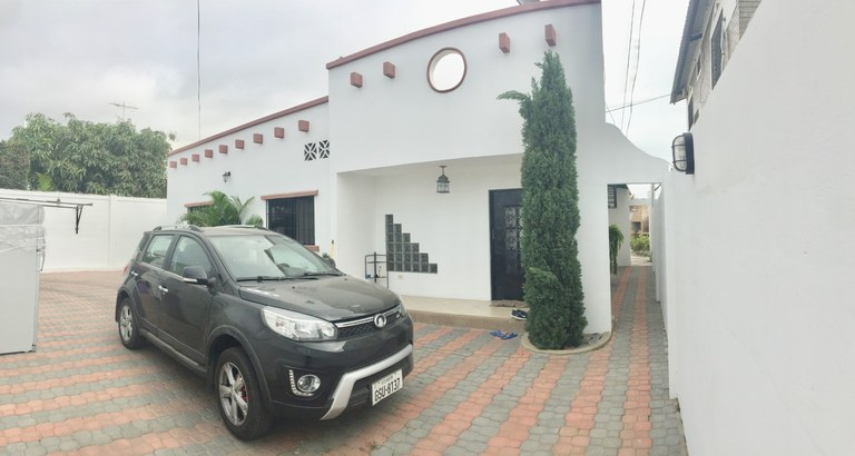Owner Moving and Must Sell A BEAUTIFUL HOUSE CLOSE TO THE BEACH WITH S/POOL