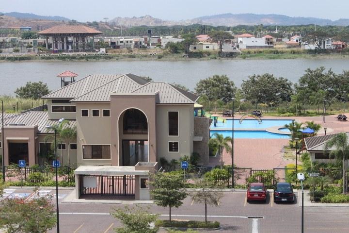 Guayaquil La Romareda: Riverfront Condominium For Sale in Pascuales