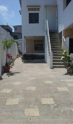 Casa en playas villamil con excelente ubicacion: Near the Coast House For Sale in Playas