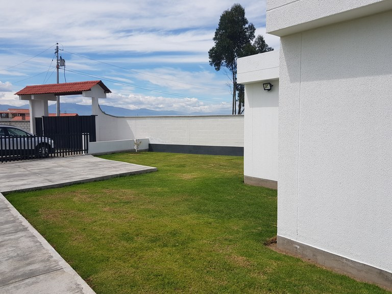 Countryside House For Sale in Malchingui
