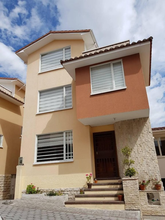 House For Sale in Kennedy Norte, Guayaquil