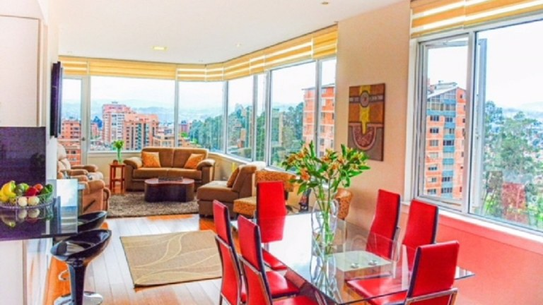 Drop-Dead Gorgeous Fully-Furnished Condo with Breath-Taking Views
