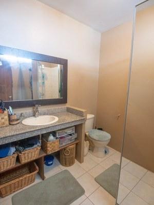 Bathroom3-1 (Large).jpg