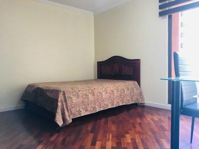 Guest Room 1.jpg