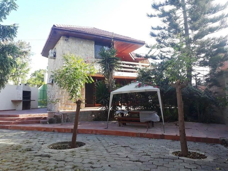 House For Sale in Punta Blanca