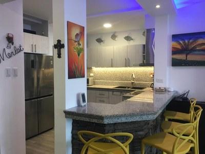 Teresa_kitchen_from_corner_2.JPG