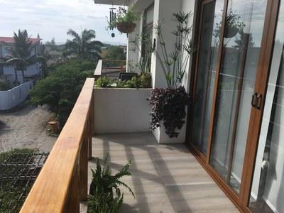 Teresa_balcony_right.JPG