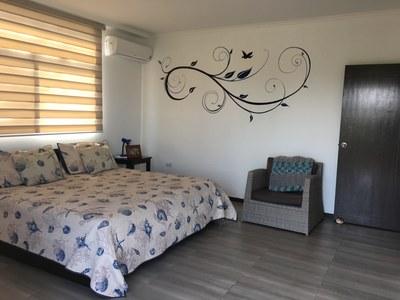 Teresa_master_bedroom.JPG